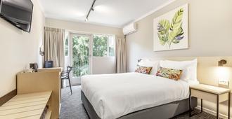 Nightcap At Findon Hotel - Adelaide - Bedroom