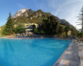 Residenza Lago di Lugano - Porlezza - Zwembad