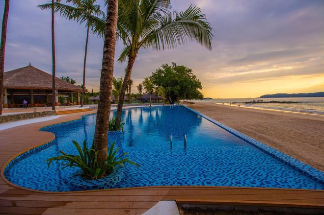 Pristine Mermaid Resort - Ngapali Beach - Piscina