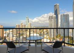 Mantra on View Hotel - Surfers Paradise - Balcony