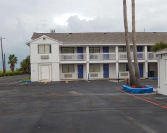 Motel 6 Portland, TX - Portland - Building