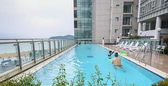 Haeundae Seacloud Hotel Residence - Busan - Pool