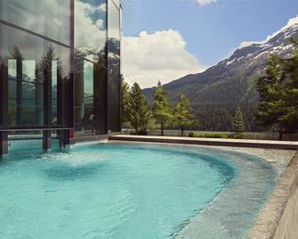 Badrutt's Palace Hotel - St. Moritz - Pool