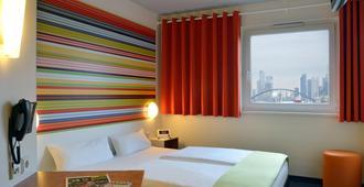 B&B Hotel Frankfurt-Niederrad - Frankfurt - Sovrum