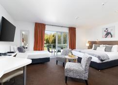 Century Park Motor Lodge - Nelson - Bedroom