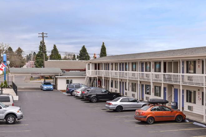 Motel 6 Salem - Expo Center - Salem - Rakennus