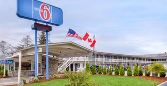Motel 6 Salem - Expo Center - Salem - Building
