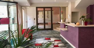Hotel Chiffre - Albi - Front desk