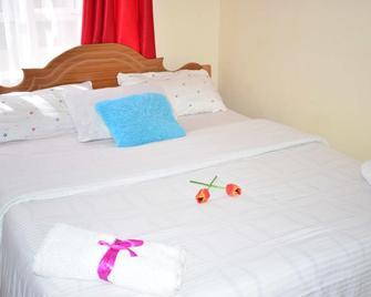 Safari Homes and Tours - Embakasi - Bedroom