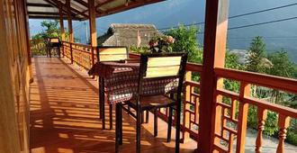 Lenh Family House - Sa Pá - Balcony