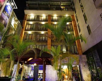 Einhan Resort - Yuchi - Building