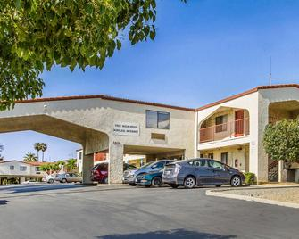Econo Lodge Castro Valley - Castro Valley - Building