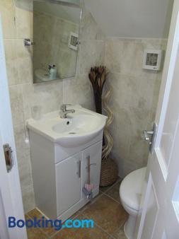 The Fylde International - Blackpool - Bathroom