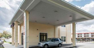 Quality Inn - Kissimmee - Edificio