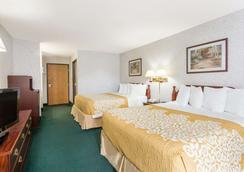 Days Inn by Wyndham Battlefield Rd/Hwy 65 - Springfield - Bedroom