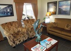 Siletz Bay Lodge - Lincoln City - Living room