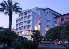 Sina Astor - Viareggio - Edificio