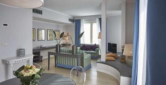 Sina Astor - Viareggio - Oturma odası