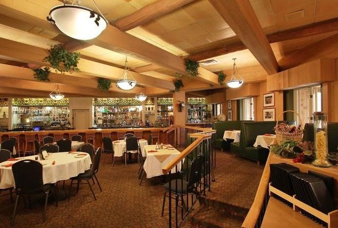 Hotel Mead And Conference Center - Wisconsin Rapids - Bar