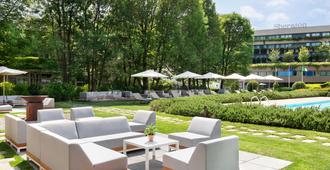 Sheraton Lake Como Hotel - Como - Patio