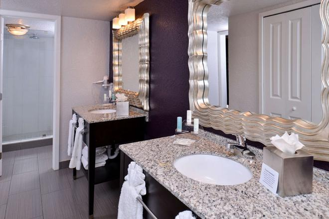 Clarion Inn and Suites Orlando - Ορλάντο - Μπάνιο