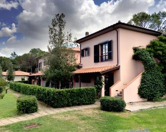 Montebelli Agriturismo & Country Hotel - Grosseto - Building