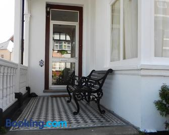 Colbourn Bed And Breakfast - Colwyn Bay - Gebäude