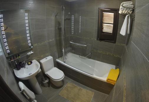 Latchi Family Resort - Polis Chrysochous - Bathroom