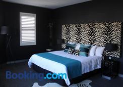 Junction Hotel - Newcastle - Bedroom