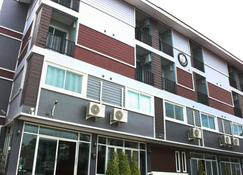 The Avail - Ayutthaya - Building