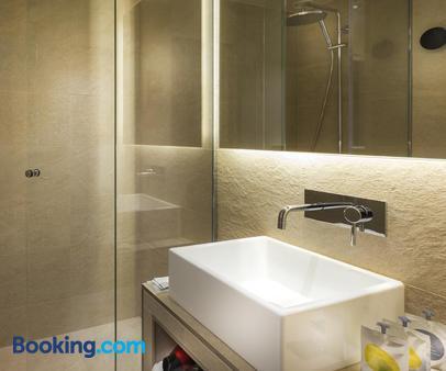 Hotel Andrea - Paris - Bathroom
