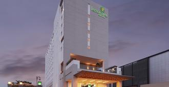 Lemon Tree Hotel Gachibowli Hyderabad - Hyderabad - Building
