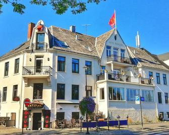 Hotel Wassilioff - Stavern - Edificio