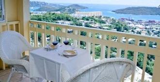 Sunset Gardens Guesthouse - Saint Thomas Island - Balcony
