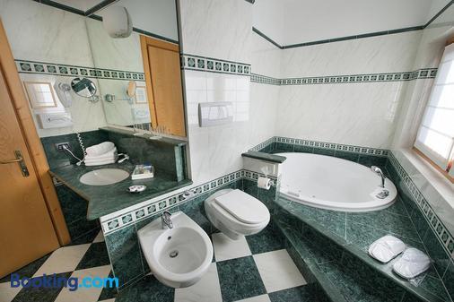 Hotel Posta - Livigno - Phòng tắm
