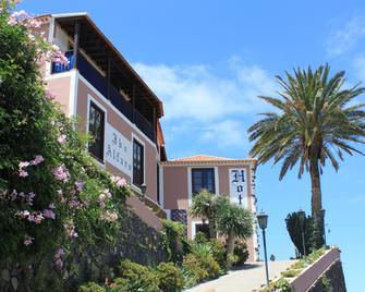 Ibo Alfaro Hotel Rural - Hermigua - Outdoor view