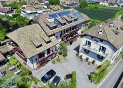 Angerburg Blumenhotel - Appiano sulla Strada del Vino - Edifício