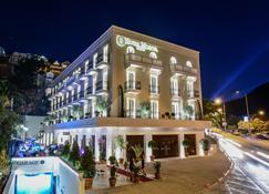 Hotel Moskva - Μπούντβα - Κτίριο