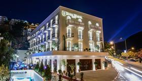 Hotel Moskva - Budva - Edificio
