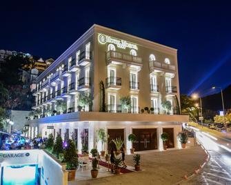 Hotel Moskva - Budva - Building