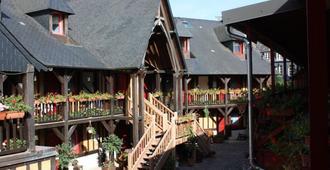 Hotel La Diligence - הונפלואור - נוף חיצוני
