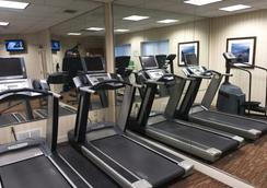Lakeview Signature Inn Calgary Airport - Calgary - Gym