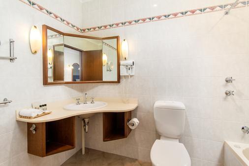 Adelaide Inn - Adelaide - Bathroom