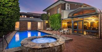Adelaide Inn - Adelaide - Pool