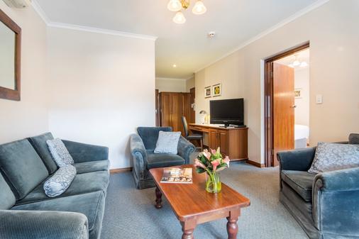 Adelaide Inn - Adelaide - Living room