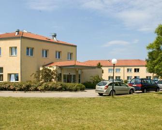 Days Inn Dessau - Dessau - Edificio