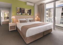 Oaks Townsville Gateway Suites - Townsville - Bedroom