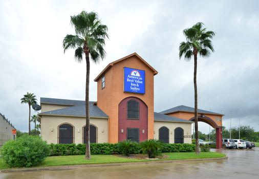 Americas Best Value Inn and Suites San Benito - San Benito - Gebäude