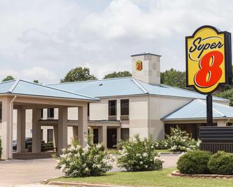 Super 8 by Wyndham Indianola - Indianola - Building