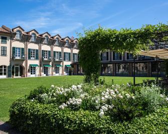 Spinerola Hotel in Cascina & Restaurant Uvaspina - Moncalvo - Building
